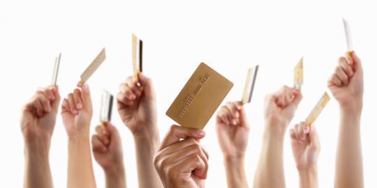 Jangan hanya menuntut hak, namun juga melaksanakan kewajiban sebagai pengguna kartu kredit.