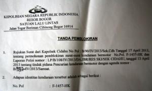 Segera urus surat pemblokiran STNK dan BPKB begitu mobil dicuri.