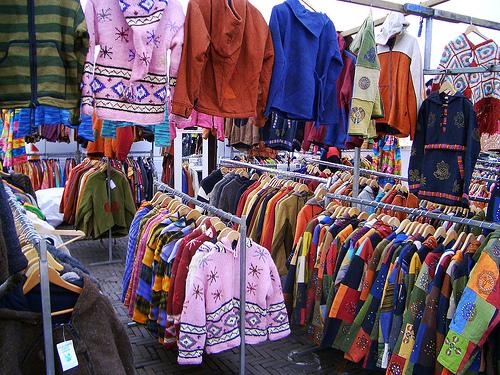 9 Tempat Belanja di Bandung Ini Surganya Fashion Murah f3cf23be93