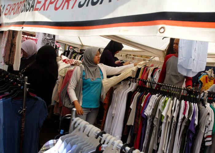 9 Tempat Belanja di Bandung Ini Surganya Fashion Murah 47045f3e96