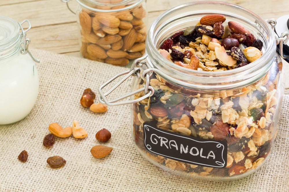 Granola, makanan sehat yang bisa diganti dengan oatmeal. (Shutterstock)