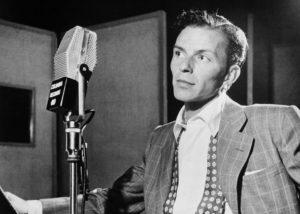 Harganya ratusan miliar, ini rumah Frank Sinatra yang belum laku. (Wikimedia Commons/ William P. Gottlieb Collection)