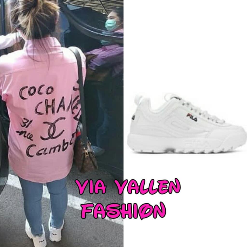 Sneakers Fila. (Instagram/@viavallenfashion)