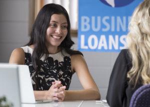 Waktu yang tepat buat ambil pinjaman usaha. (Shutterstock)