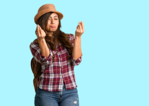 Tips keuangan biar hemat saat traveling. (Shutterstock)