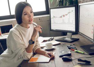 Tips membeli saham buat wanita. (Shutterstock)