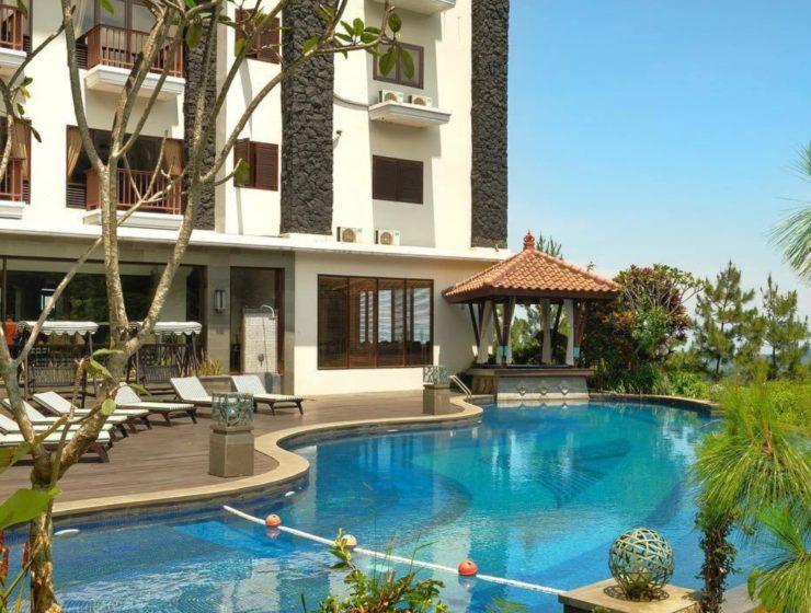 Hotel di Puncak yang menawarkan suasana Bali. (Instagram/@thegrandhillhotel)
