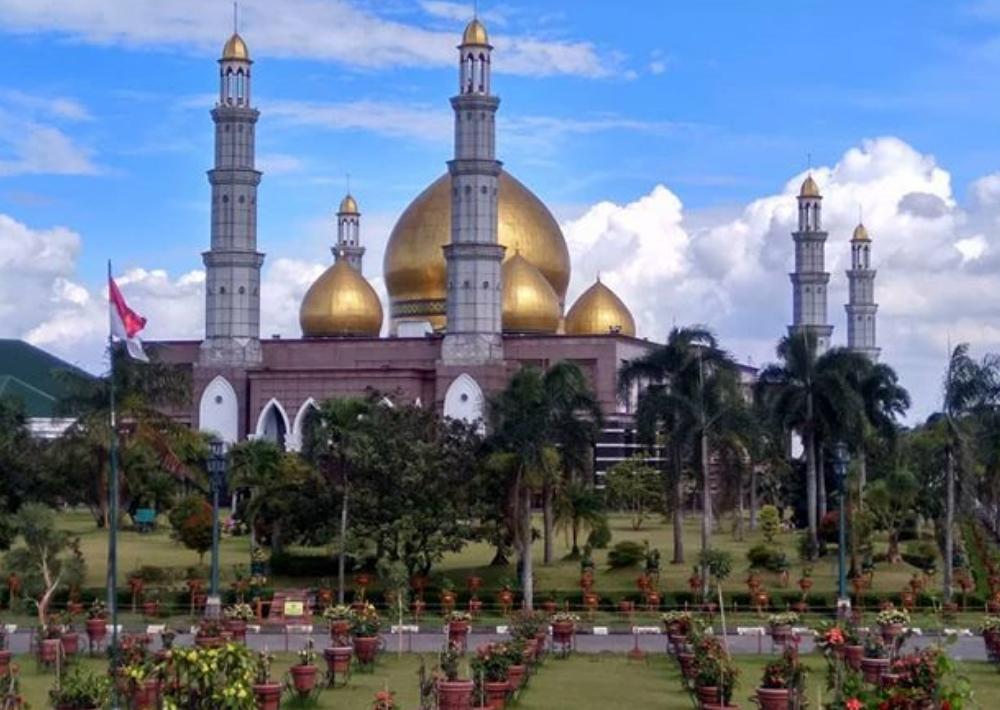 Pemilik Masjid Kubah Emas, Sosok Pengusaha yang Suka Bersedekah
