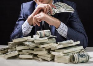 Modal usaha kadang dijadikan sebagai penghambat orang untuk membuka bisnis (Shutterstock).