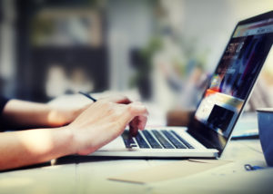 Ilustrasi Usaha Go Digital (Shutterstock)