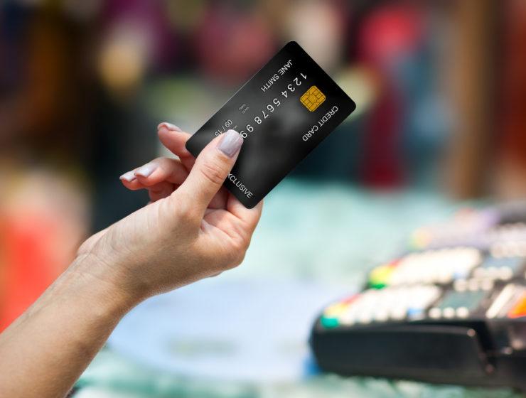 Belanja Lebaran Pakai Kartu Kredit (Shutterstock)