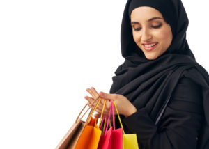 Belanja baju lebaran sudah menjadi tradisi Ramadan di Indonesia (Shutterstock).
