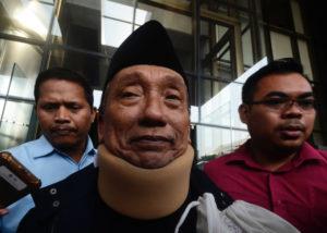 Lelang KPK Tawarkan Rumah Fuad Amin Senilai Rp 11 M (TEMPO).