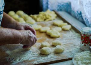 Cara membuat kue lebaran yang benar (Shutterstock).