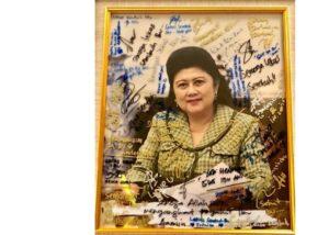 Kiriman souvenir buat Ibu Ani Yudhoyono