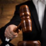 Hakim MK miliki gaji yang fantastis (Shutterstock).