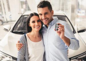 Kredit Mobil Baru dengan Mudah dan Cepat (Shutterstock).