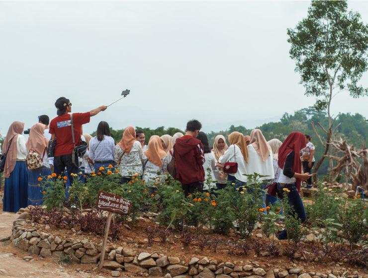 Kunjungan Wisatawan Asing Meningkat (Shutterstock)