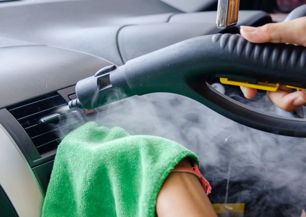 Cara Bersihkan AC Mobil dengan Mudah (Shutterstock).